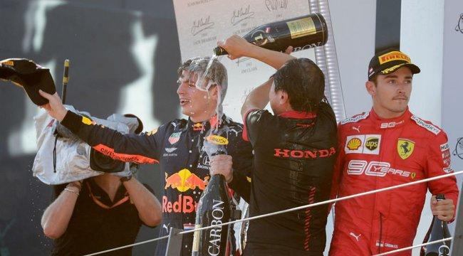 Ferrari: Leclerc-t megedzi ez a döntés!
