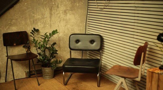 A hét használati utasítása: Ne üljön erre a székre!