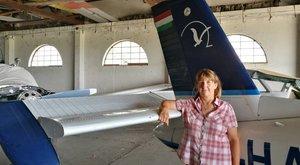 Rekorder vitorlázó:1700 méter magasan ugrott menyét Márta ölébe