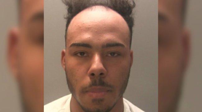 A furcsa hajú körözött kábítószer-kereskedő védelmére kelt a brit rendőrség