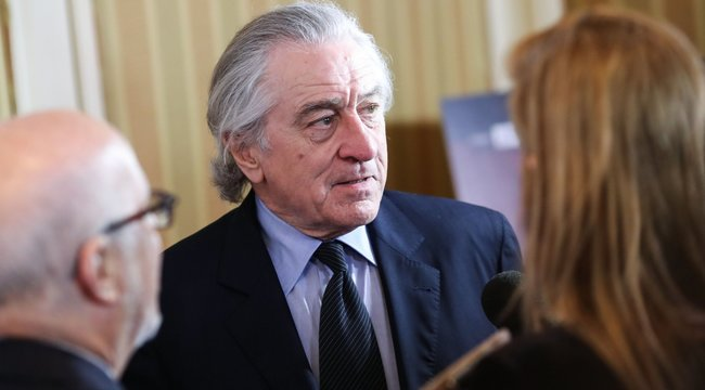 Beperli alkalmazottját Robert De Niro
