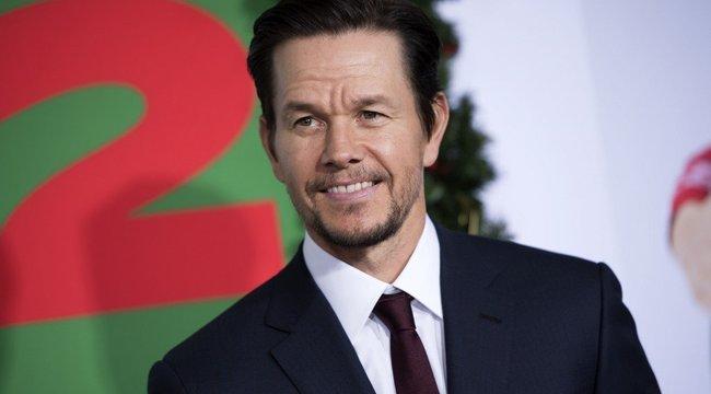 Brutális kockahasat villantott Mark Wahlberg - fotó