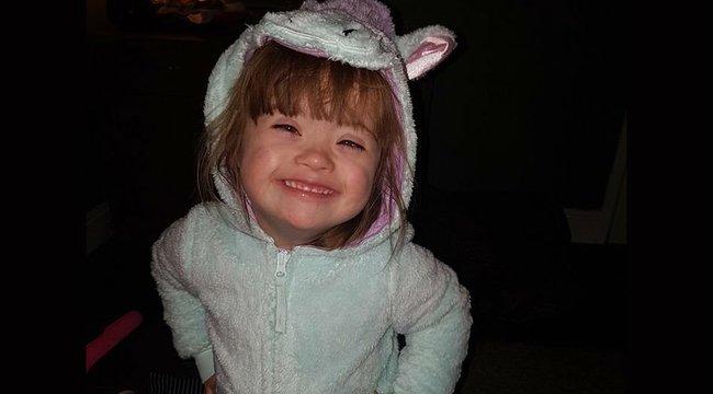 Azzal nyugtatták az orvosok a rémült édesanyát, hogy csak valami vírus van a levegőben - ötéves kislánya két nappal később meghalt
