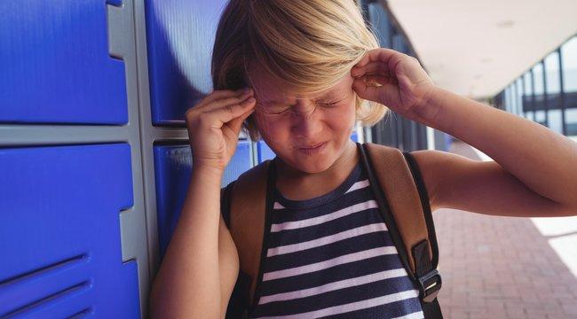 Egy furcsa rendellenesség miatt hallja a szívdobogását, és ahogy mozgatja a szemét