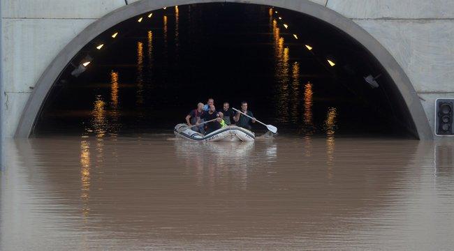 Hárman meghaltak Spanyolországban, a gyilkos árvízben