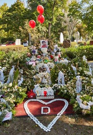 Nem osztozik a gyászban L.L. Junior és Csilla, külön emlékeztek halott kisfiúk születésnapjára