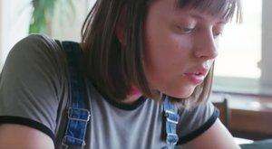 Betétreklám akasztotta ki a nézőket - százával özönlenek a panaszok - 18+ videó