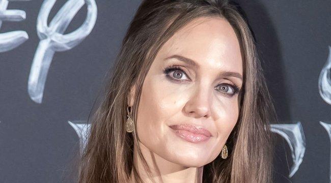 Angelina Jolie úgy érzi, egy más korban már rég máglyára került volna