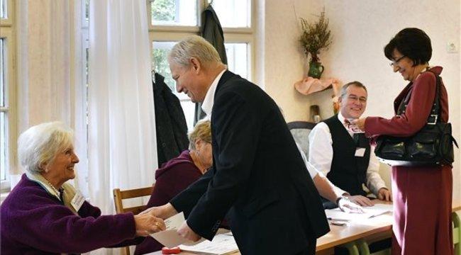 Önkormányzat 2019 - Tarlós István és neje is leadta a voksát - képek