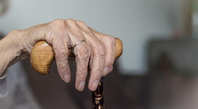Brutális támadás: gondozója erőszakolta meg a 82 éves asszonyt - 18+
