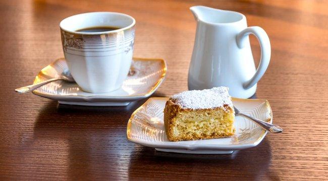 Véletlenül hasisos sütit szolgáltak fel a gyászolóknak egy német kávézóban