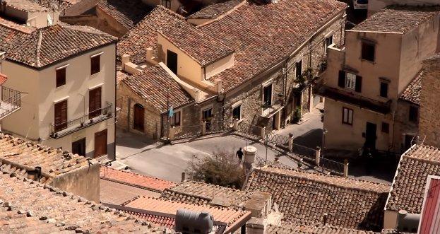 Ingyen házakat osztanak a mesés szicíliai városkában