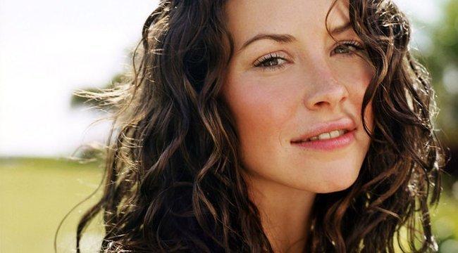 A Lost csodaszép színésznője leborotválta a haját