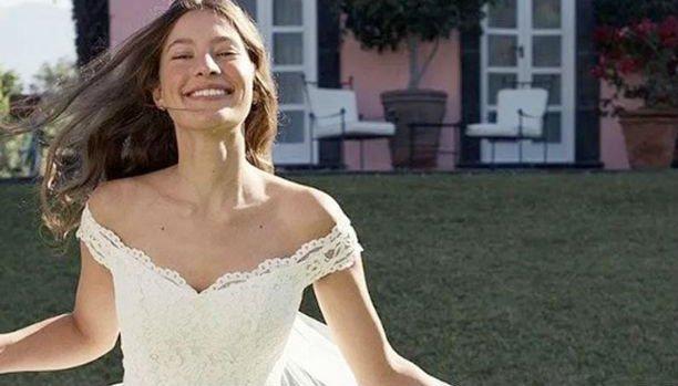 Nem akarnak elmenni a barátai az esküvőjére, miután megtudták, hogy hol vette a menyasszonyi ruháját