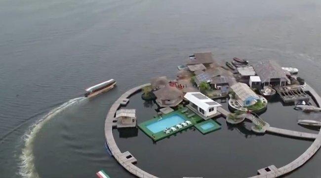 Szemétből épített magának paradicsomi szigetet - videó