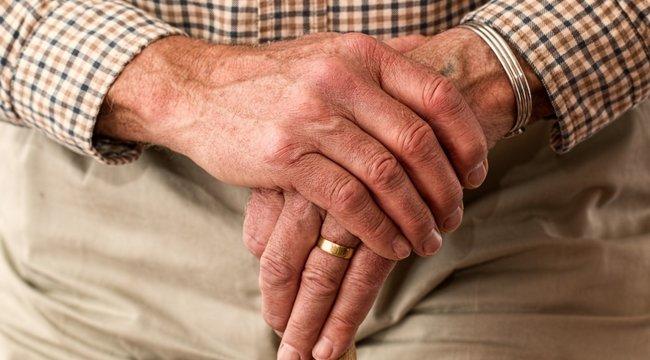 A sztereotípiák ellenvetkőznek anyugdíjasok