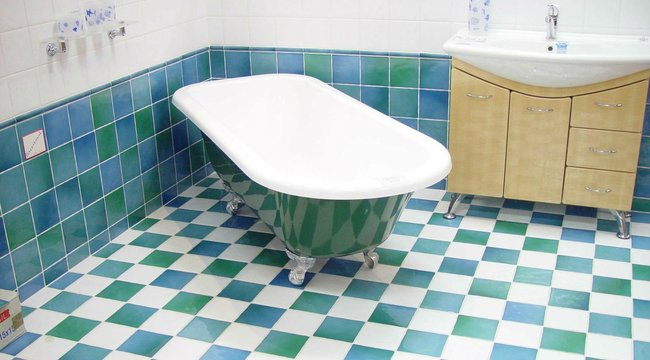 Nyolc napig volt a saját fürdőkádja foglya egy idős asszony, mire észrevették