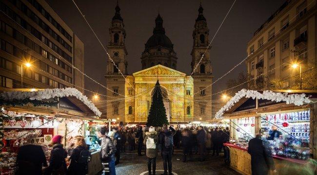 Európa legszebb városa – Háromszázezer turista kíváncsi a karácsonyi bazilikára
