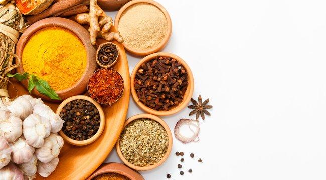 Fűszerkisokos -A köményt már a főzés elején az ételbe kell tenni, a frissen tépett növényt nem