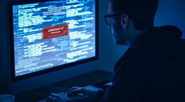 Közleményt adott ki a Fidesz-frakció a hétfőn történt hackertámadással kapcsolatban