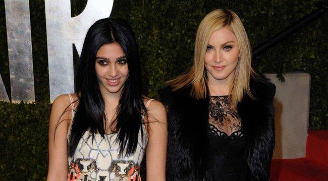 Anyu büszke lehet: orgiában vett részt Madonna lánya - 18+ videó