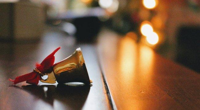Karácsonyi szimbólumok: A csengettyű elűzi a démonokat