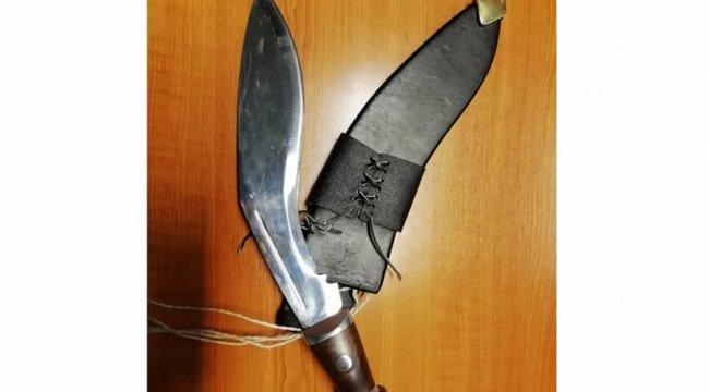 Bozótvágó késsel szurkáltak meg egy tanárt Budapesten