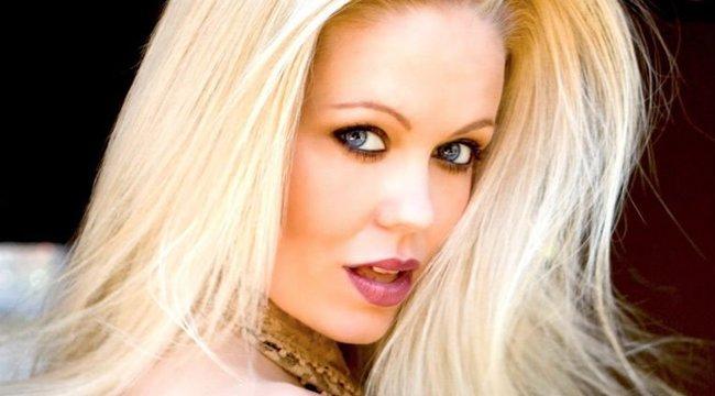 Kishíján megölték műmellei a népszerű Playboy modellt