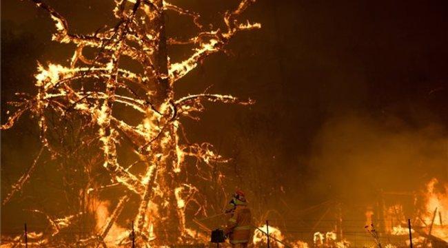 Magyarázkodásra kényszerült az ausztrál kormányfő hawaii nyaralása miatt, amikor lángokban áll az ország