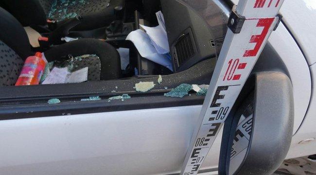 Szaloncukorért és tisztítószerekért tört fel egy kocsit egy salgótarjáni férfi