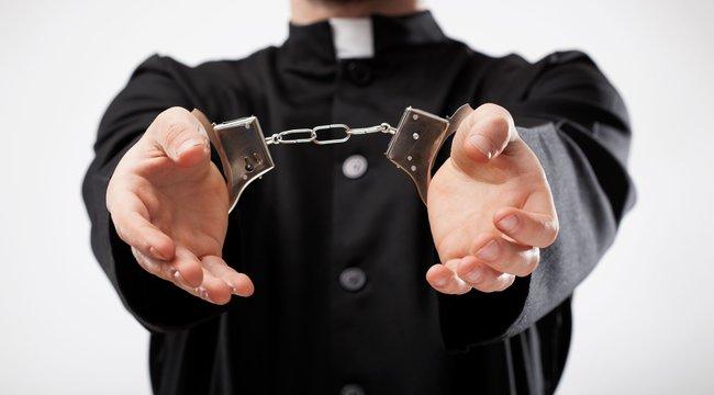 Sokkolta Kunágotátlelkészükletartóztatása -Bíznak lelkészük ártatlanságában