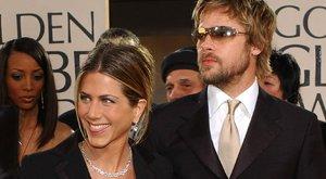 Brad Pitt és Jennifer Aniston egymillió dolláros esküvőn keltek egybe