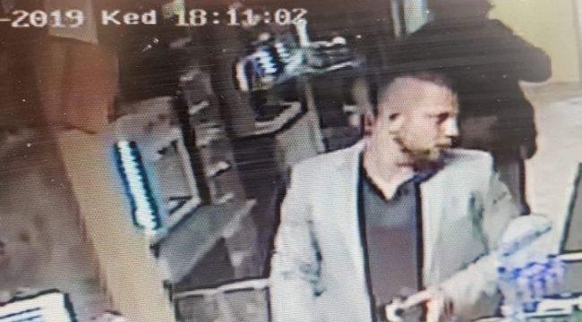 Lopott bankkártyával fizetett egy férfi Mosonmagyaróváron