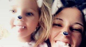 A mami egyik papucsa még a lábán van, a másik viszont leesett - mondta a mentőknek a telefonban az ötéves kislány, amikor az anyja brutális rohamot kapott