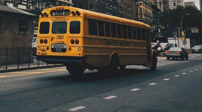 55 évig szállította a gyerekeket, koporsója is iskolabusz mintájú