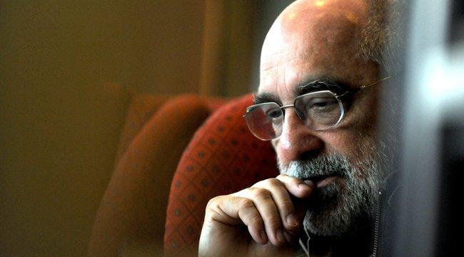 Irodában tartja második Kossuth-díját Gryllus Dániel