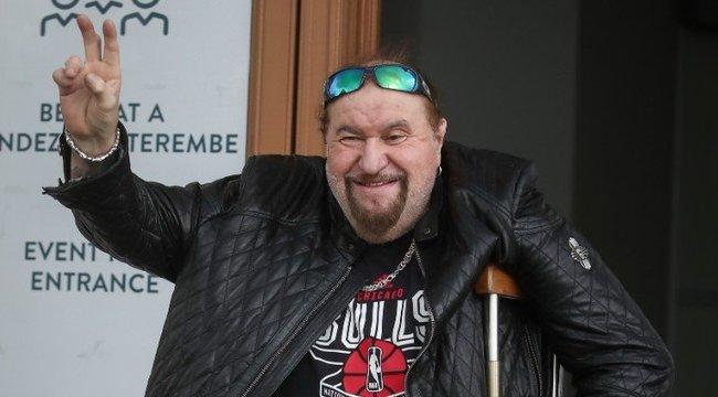 Deák Bill Gyula: A lelkem nem rokkant bele a lábam elvesztésébe – interjú