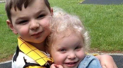 A koronavírus miatt szabadon engedhetik a horrorszülőket, akikmegkínozták és megnyomorították másfél hónapos kisfiúkat