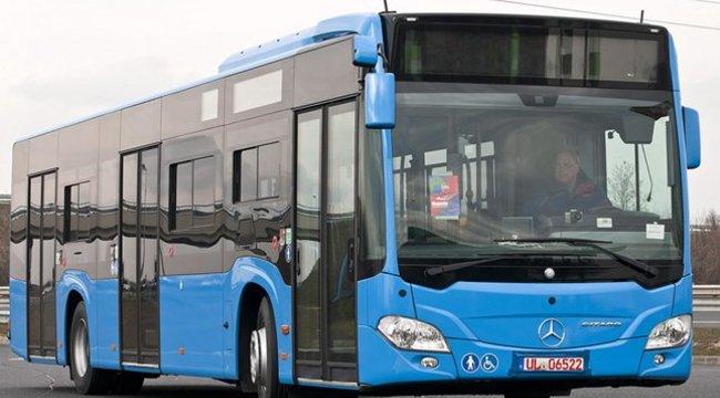 Kulcscsomóval állt bosszút a buszon a budapesti férfi