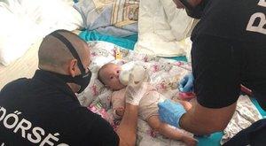 Bedrogozva őrjöngött az apuka, a rendőrök elkapták, aztán tisztába rakták, és megetették az öthónapos kisbabáját