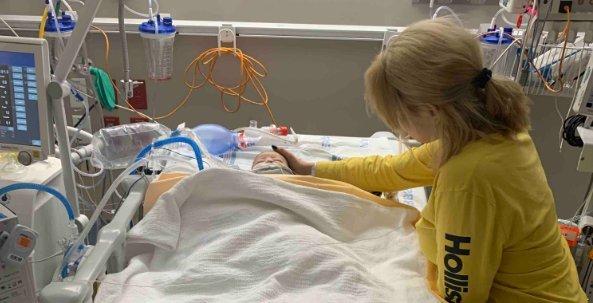 Hidegvérrel gyomron lőtte másfél hónapos nevelt gyermekét egy férfi