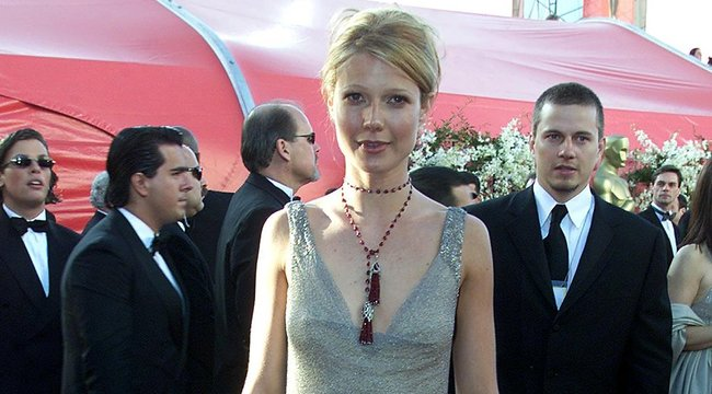 Nagylelkű vagy kínos? Olyan ruhát jótékonykodik el Gwyneth Paltrow, amit eleve utált