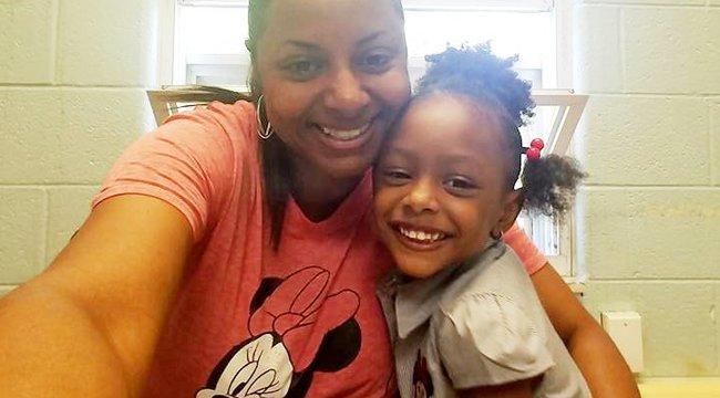 Fejfájása ellenére hazaküldték a kórházból a rendőr-tűzoltó házaspár ötéves kislányát - végül már nem tudták megmenteni az életét
