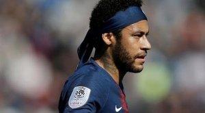 Neymar is teqballozva marad mozgásban - Fotó