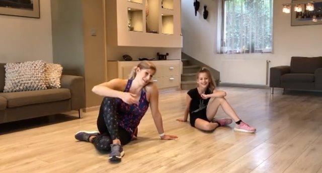 Béres Alexandra a kislányával együtt teljesít extrém kihívásokat, reggelente pedig rajongóival tornázik