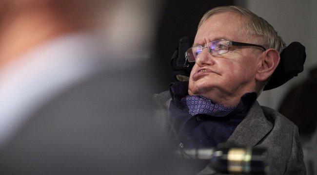 Kórháznak adták a történelem egyik legokosabb emberének lélegeztetőgépét