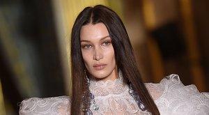 A teljesen meztelen Bella Hadidot csak egy táska választja el attól, hogy letiltsák az Instagramról