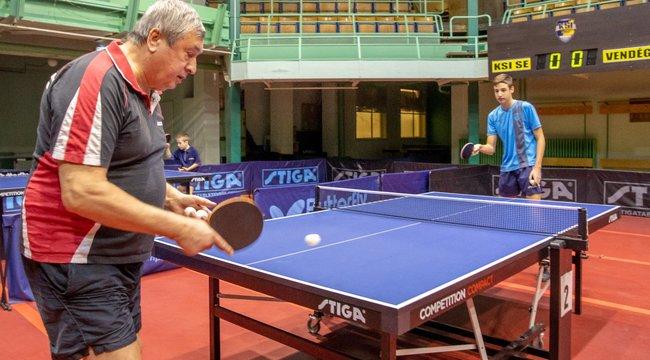Klampár Tibor:Ha nem pingpongozom, tán a sitten végzem