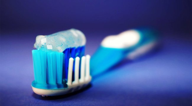Eddig majdnem mindenki rosszul tisztította a fogát! Ön is?