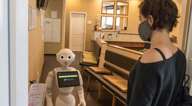 videót készíteni egy robot segítségével)